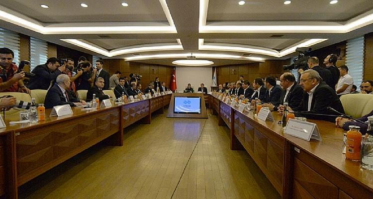 Signature des accords collectifs pour la période 2018-2019 entre Memur-Sen et les autorités