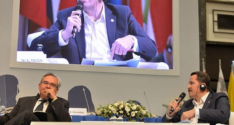 Yalçın prend la parole à la 10e réunion régionale européenne